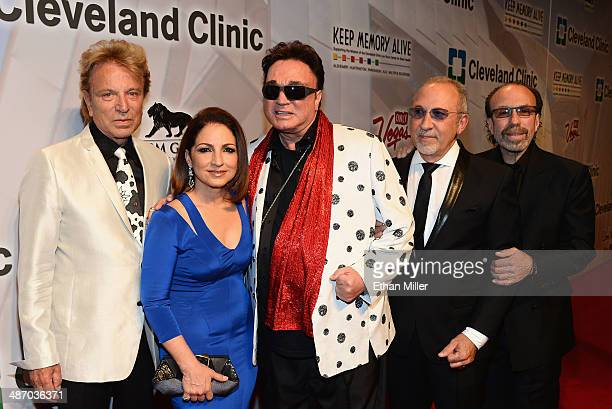 Siegfried Fischbacher honoree Gloria Estefan Roy Horn honoree Emilio Estefan Jr and entertainment manager Bernie Yuman attend the 18th annual Keep...