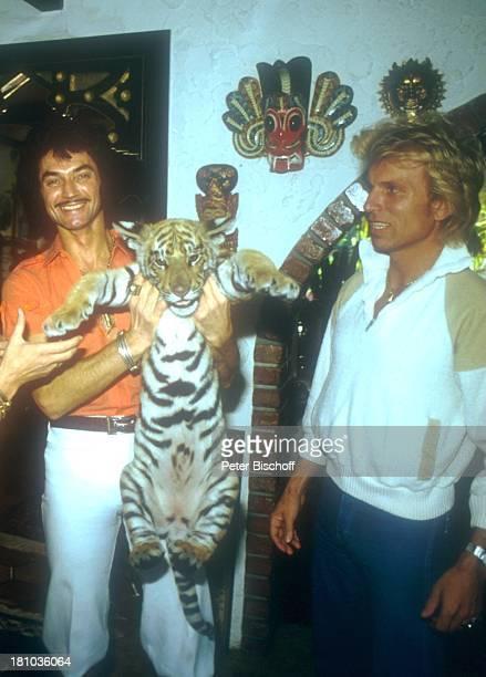 Siegfried Fischbacher Roy Horn TigerBaby Homestory DschungelPalast Las Vegas Nevada Nordamerika USA 0 Wohnzimmer Tier Tiger Illusionisten Zauberer...