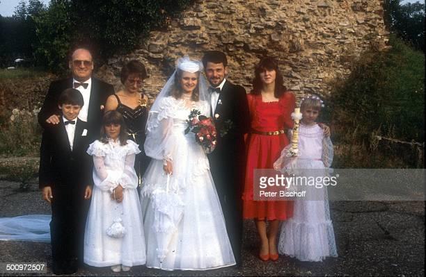 Siegfried Hohloch Elke Hohloch Sängerin Nicole Ehemann Winfried Seibert seine Schwester Cornelia Seibert Hochzeitskinder Blumenkinder Schleierkinder...