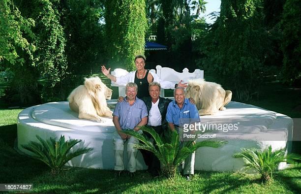 Siegfried Roy Dieter Kehler Wolfgang Rademann Produzent Homestory Dschungel Palast ZDFTraumschiff Folge 40 Las Vegas/Nevada/USA Garten Podest Löwe...