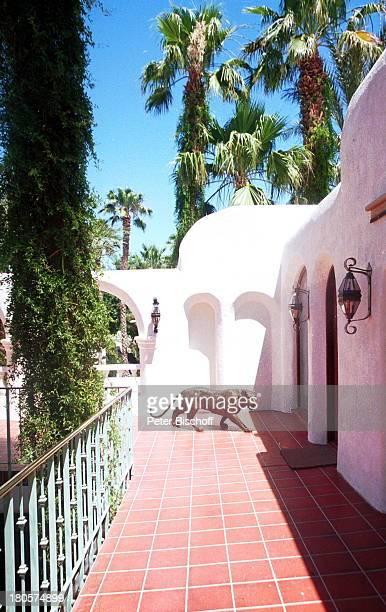 Siegfried Roy Homestory Dschungel Palast Las Vegas/Nevada/USA RuheTerrasse 1 Stock Eingang Schlafzimmer von Siegfried BronzeTiger Palmen