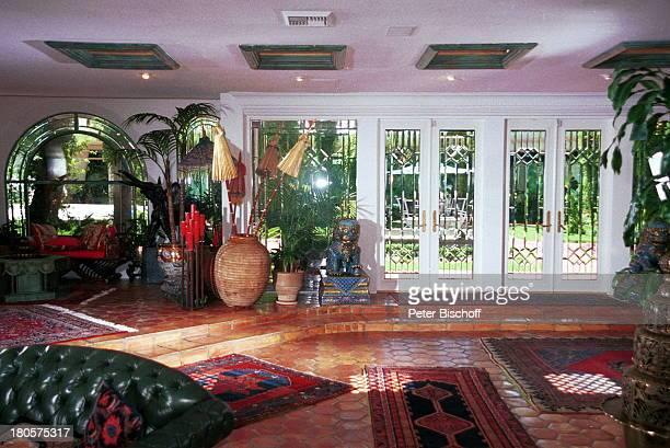 Siegfried Roy Homestory Dschungel Palast Las Vegas/Nevada/USA Wohnhalle Blick auf Garten PerserTeppiche Kerzenständer holzgeschnitzter Elefant...