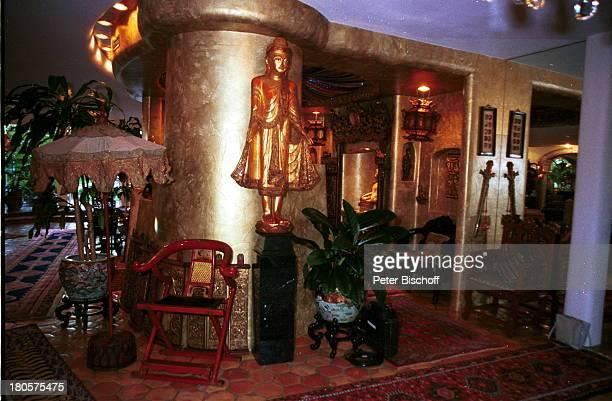 Siegfried Roy Homestory Dschungel Palast Las Vegas/Nevada/USA Wohnhalle PerserTeppiche roter LackStuhl goldene BuddhaStatuen Bar Holzschnitzereien