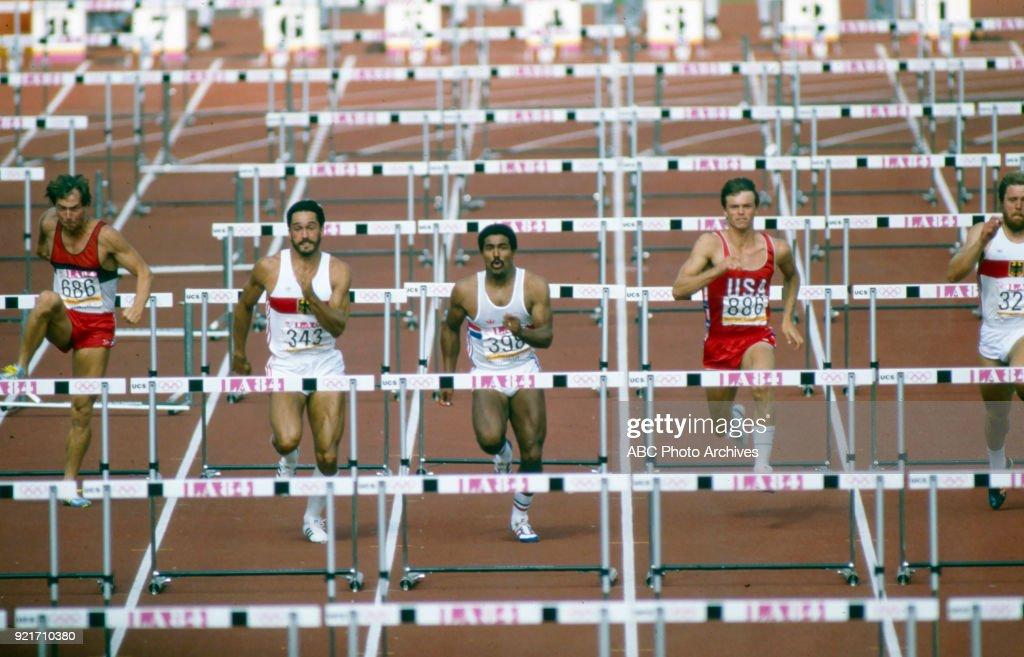 Men's Decathlon 110 Metres Hurdles Competition At The 1984 Summer Olympics : Foto di attualità