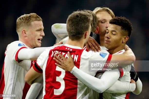 Siem de Jong of Ajax celebrates 10 with Donny van de Beek of Ajax Joel Veltman of Ajax Kasper Dolberg of Ajax David Neres of Ajax during the Dutch...