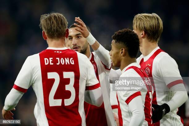 Siem de Jong of Ajax celebrates 10 with Hakim Ziyech of Ajax David Neres of Ajax Kasper Dolberg of Ajax during the Dutch Eredivisie match between...