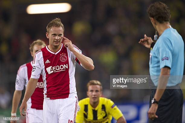 Siem de Jong of Ajaxreferee Paola Tagliavento during the Champions League match between Borussia Dortmund and Ajax Amsterdam at the Signal Iduna Park...