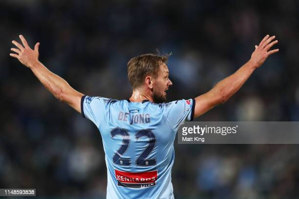 Siem De Jong of Sydney FC celebrates scoring a goal during the A-League Semi Final match between Sydney FC and the Melbourne Victory at Netstrata...