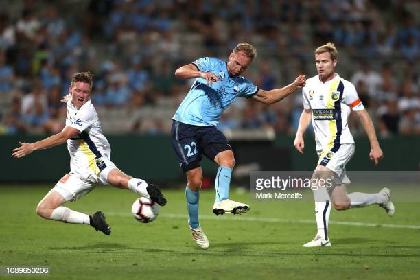 Siem de Jong of Sydney shoots during the round 11 A-League match between Sydney FC and the Central Coast Mariners at WIN Jubilee Stadium on January...