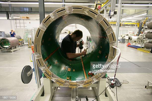 Siemens AG Medical Solutions Factory Erlangen Assembly of a magnetical response tomograph