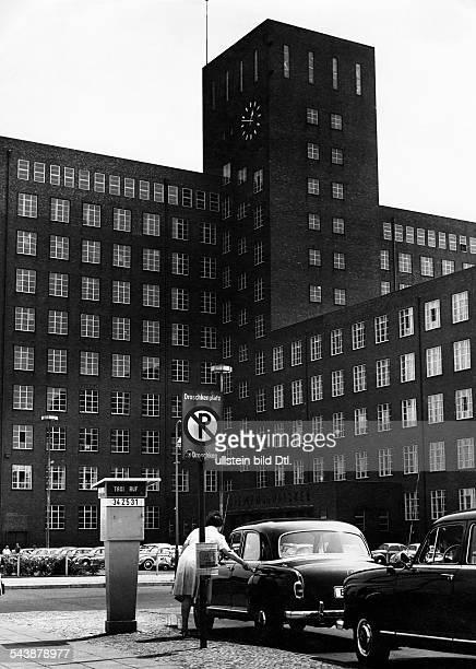 Siemensstadt in Berlin, in the district of Spandau: Headquarters of Siemens & Halske - Photographer: Gert Kreutschmann- ca. 1962Vintage property of...