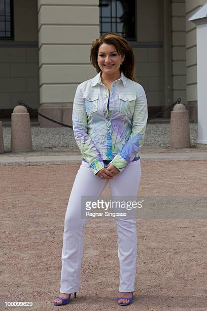 Sieneke of The Netherlands attends a photocall at The Eurovision Song Contest 2010 on May 20 2010 in Oslo Norway 39 countries will take part in the...
