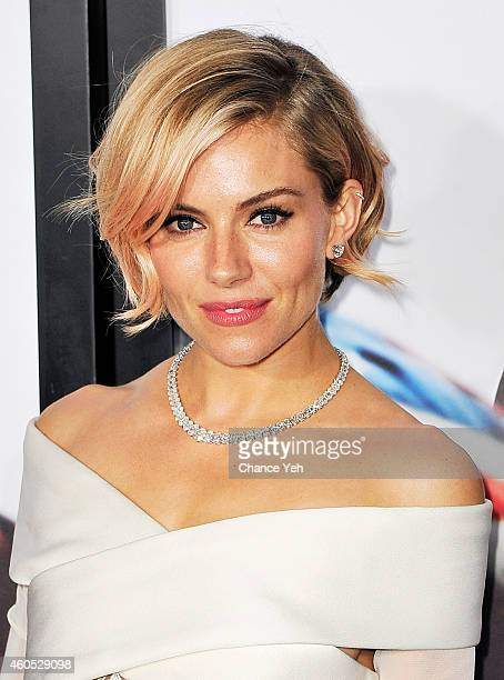Sienna Miller attends 'American Sniper' New York Premiere at Frederick P Rose Hall Jazz at Lincoln Center on December 15 2014 in New York City
