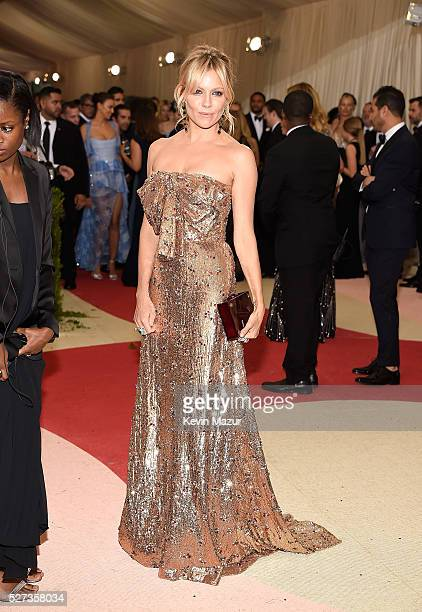 Sienna Miller attends 'Manus x Machina Fashion In An Age Of Technology' Costume Institute Gala at Metropolitan Museum of Art on May 2 2016 in New...