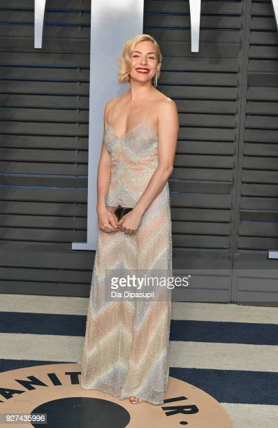 Sienna Miller attends the 2018 Vanity Fair Oscar Party hosted by Radhika Jones at Wallis Annenberg Center for the Performing Arts on March 4 2018 in...