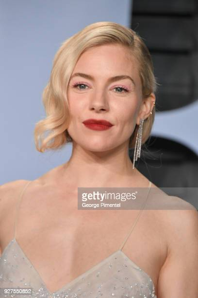 Sienna Miller attends the 2018 Vanity Fair Oscar Party hosted by Radhika Jones at Wallis Annenberg Center for the Performing Arts on March 4, 2018 in...