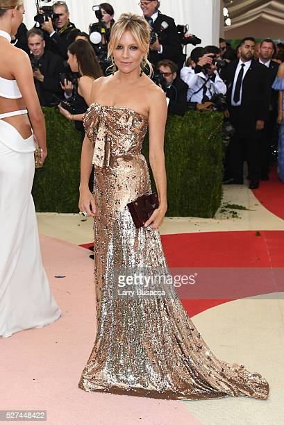 Sienna Miller attends the 'Manus x Machina Fashion In An Age Of Technology' Costume Institute Gala at Metropolitan Museum of Art on May 2 2016 in New...