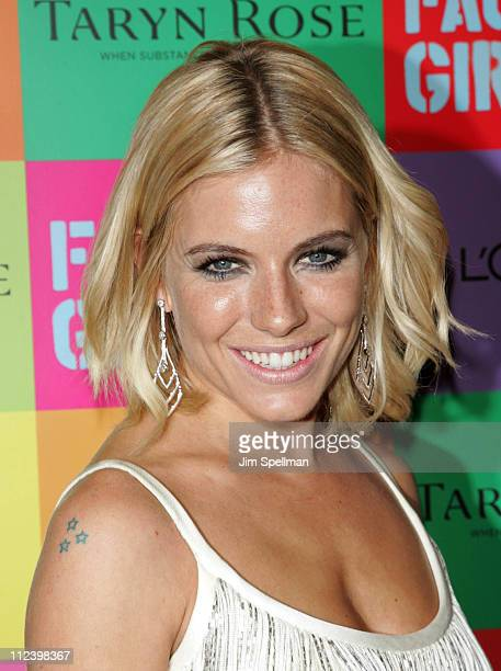 """Sienna Miller during """"Factory Girl"""" New York Premiere - Outside Arrivals at Ziegfeld Theater in New York City, New York, United States."""