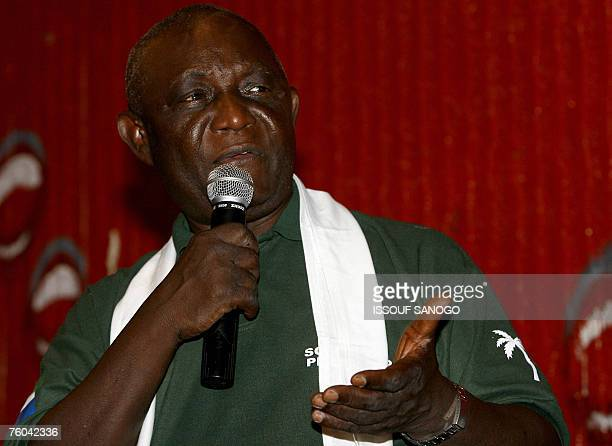 Sierra Leone's current vice president Solomon Berewa gives a speech during an election campaign rally in Freetown 09 August 2007 Despite huge...