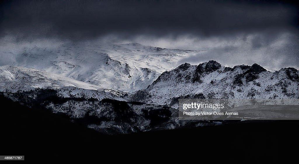 Sierra Nevada (Sormy Weather) : Foto de stock