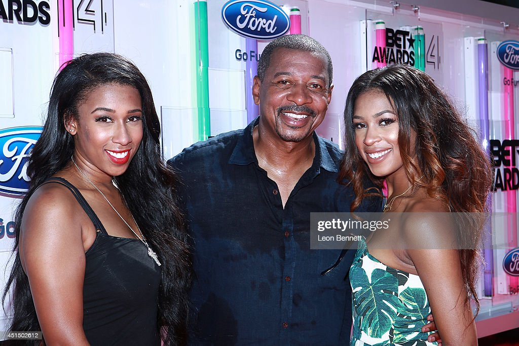 BET & Make A Wish Foundation Recipient Wish To Attend BET Awards Red Carpet Arrivals : News Photo