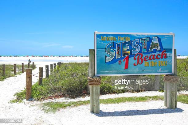 siesta key beach sarasota, florida number 1 beach in usa sign - siesta key stock pictures, royalty-free photos & images