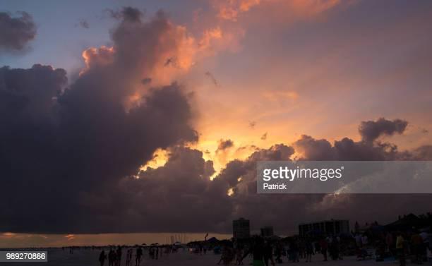 siesta key sunset - siesta key foto e immagini stock