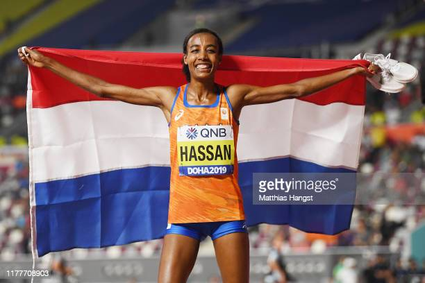Sifan Hassan of the Netherlands celebrates winning gold in the Women's 10000 Metres final during day two of 17th IAAF World Athletics Championships...