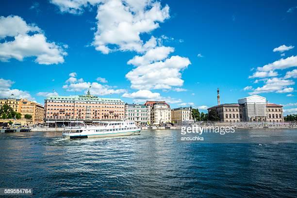観光船 ストックホルム - ストックホルム グランドホテル ストックフォトと画像