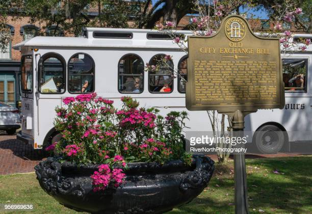 sightseeing factors walk, savannah, georgia - historic district stock pictures, royalty-free photos & images