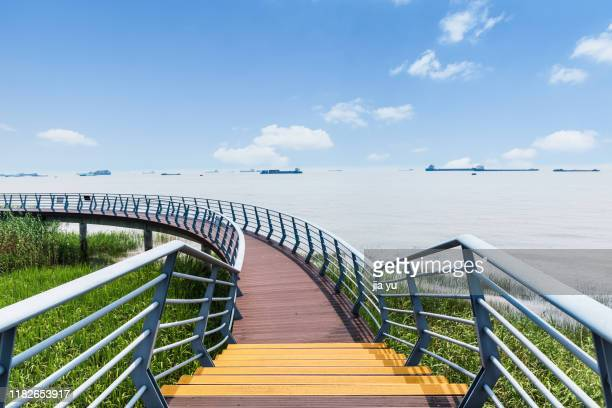 a sightseeing pathway along the yangtze river - wuhan stock photos and pictures