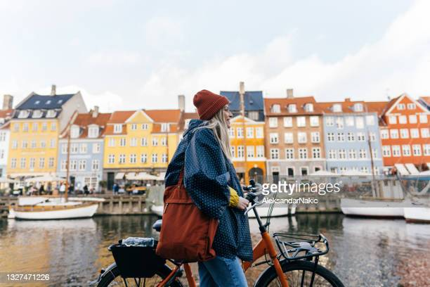 sightseeing - nyhavn stock pictures, royalty-free photos & images
