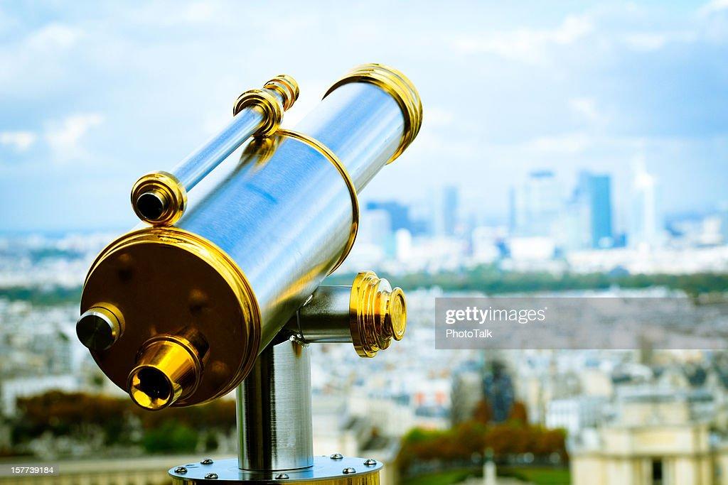 Teleskop auf den Eiffelturm : Stock-Foto