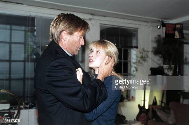 SCHLAG 12 / D 1995 / Sigi Rothemund MATTHIAS HABICH ANICA DOBRA im Fernsehfilm 'Schlag 12' 1995
