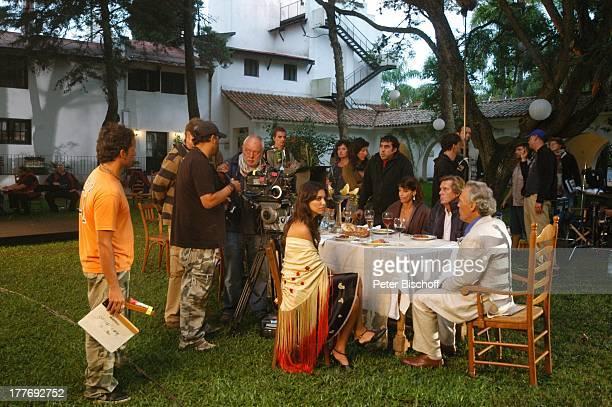 Sigmar Solbach Gerit Kling Peter Gavajda Patricia Wolff Regisseur Udo Witt FilmTeam KameraTeam Dreharbeiten zum ARDFilm Am Kap der Liebe Unter der...