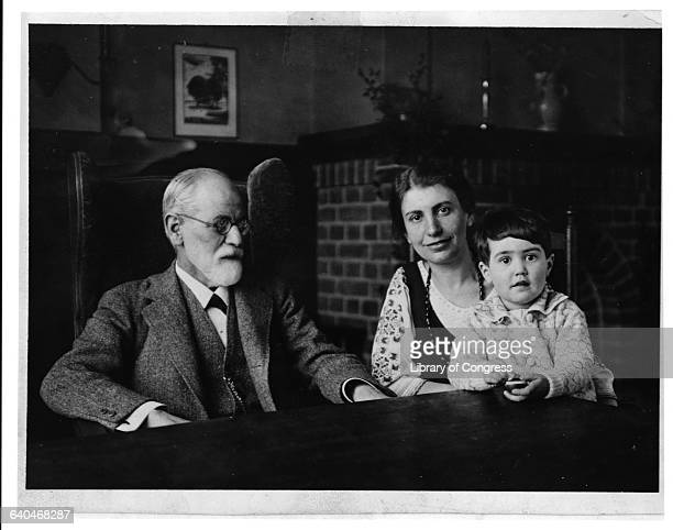 Sigmund Freud with his daughter Anna and granddaughter Eve the daughter of Oliver and Henny Freud