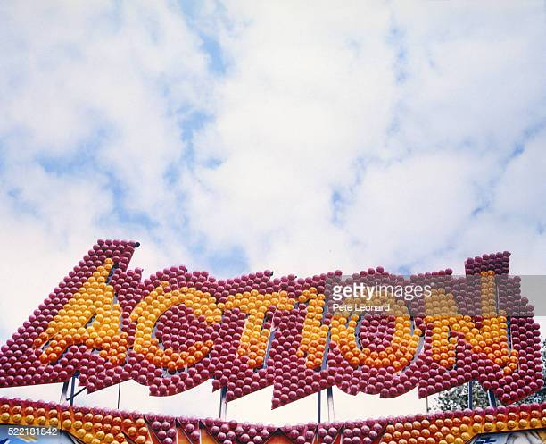 Sign 'Action' of fairground ride