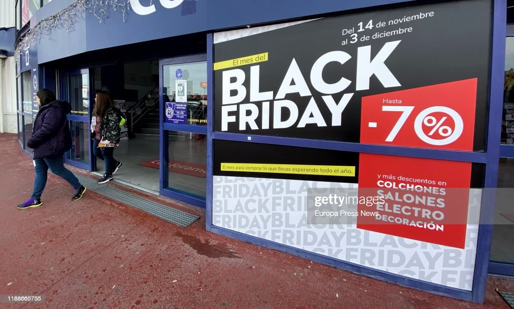 The Stores Get Ready For Black Friday Of The Next November 29th : ニュース写真