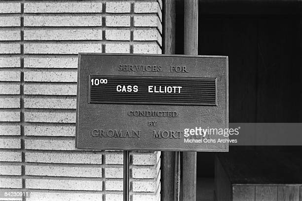 A sign at the funeral for singer Cass Elliot of The Mamas And The Papas at Groman Mortuary on August 2 1974 in Los Angeles California
