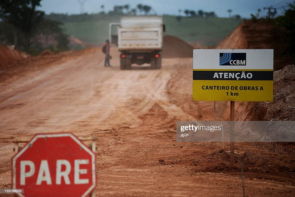 A sign at the Transamazonic road, 50 Km : News Photo
