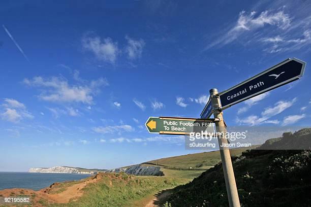 sign board - s0ulsurfing fotografías e imágenes de stock