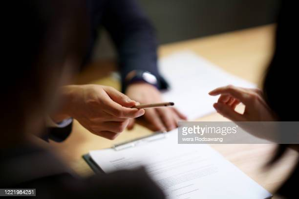 sign contract agreement in business - agreement stock pictures, royalty-free photos & images