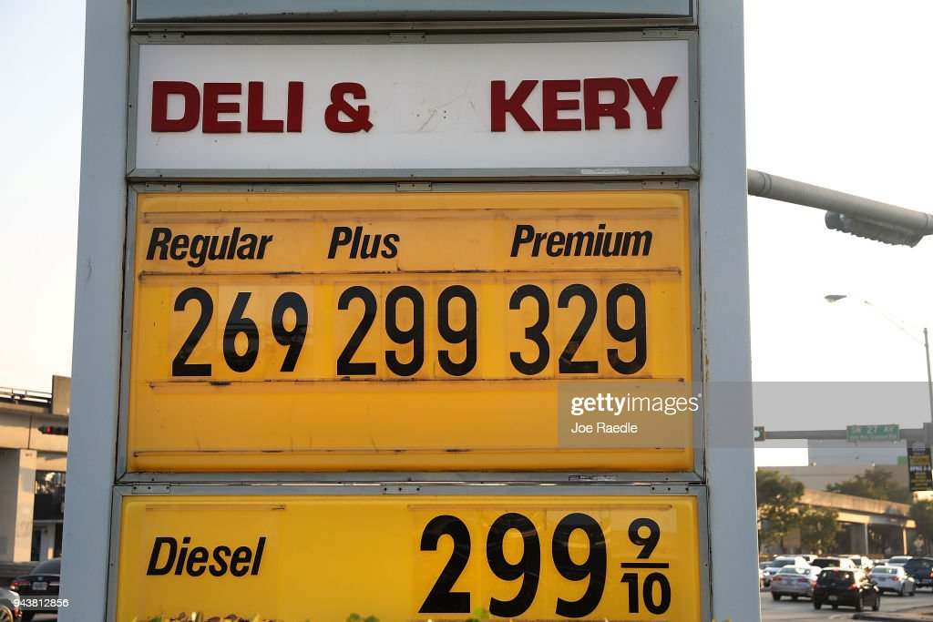 U.S. Gas Prices Expected To Rise To Highest Levels Since 2014 : News Photo