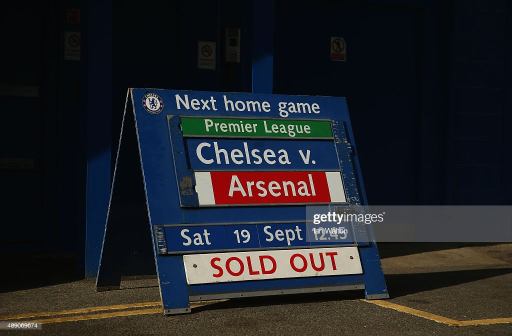 A sign displays that all tickets are sold out prior to the Barclays Premier League match between Chelsea and Arsenal at Stamford Bridge on September 19, 2015 in London, United Kingdom.