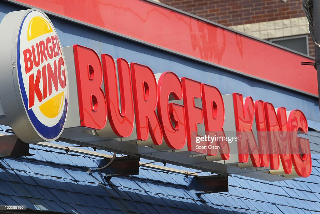 Burger King Fiscal Fourth Quarter Earnings Drop 17 Percent As Sales Drop : News Photo