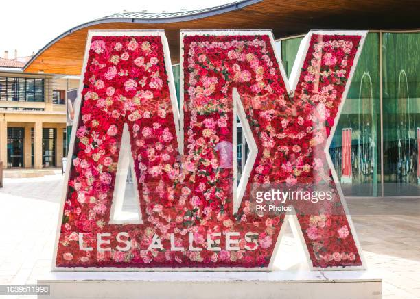 sign in aix-en-provence, france - aix en provence stock pictures, royalty-free photos & images