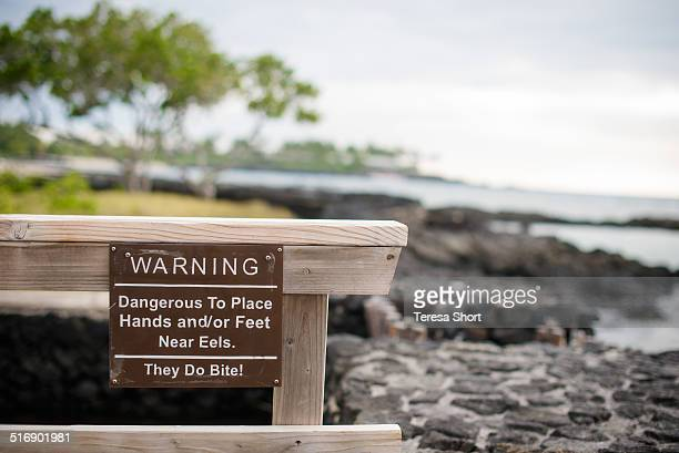 Sign in Hawaii Warning about Eels