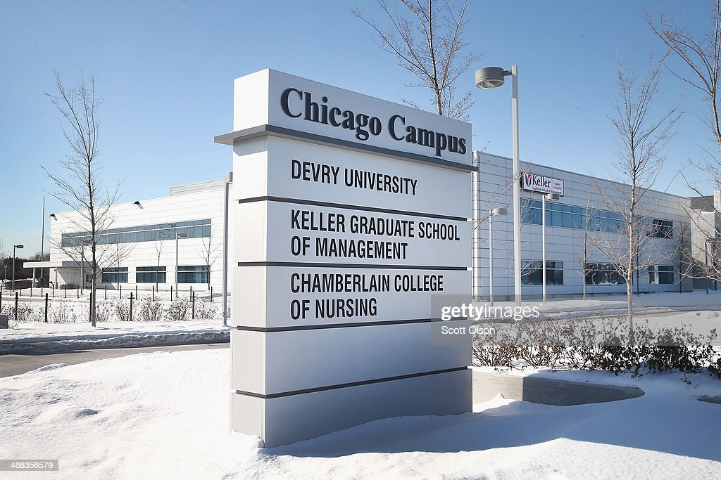 DeVry University Closes Chicago-Area Campuses After E-mail Threat : News Photo