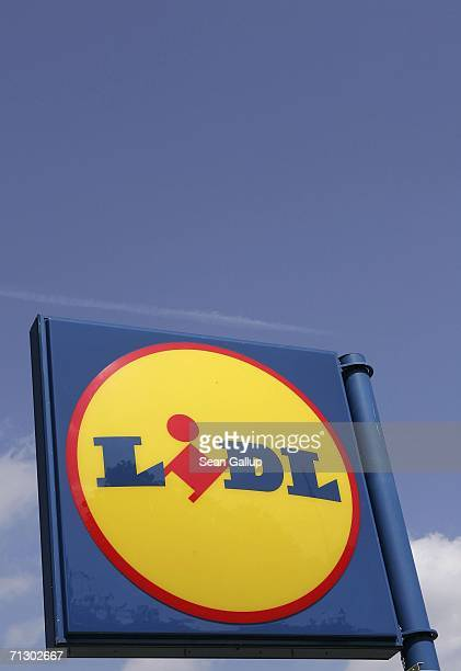 A sign indicates the location of a Lidl supermarket June 27 2006 in Berlin Germany Germany's biggest service industry labour union Verdi released a...