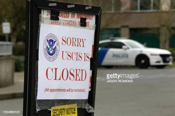 A sign indicating the office is closed is posted following a twoweek closure of a Department of Homeland Security building and US Citizenship and...